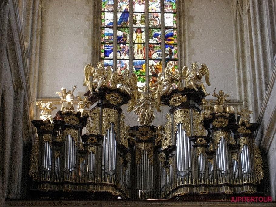 Храм святой Варвары орган, Кутна Гора