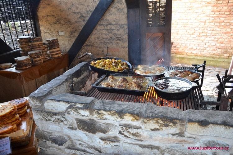 Вкусности, историческая деревня ремесел Остра