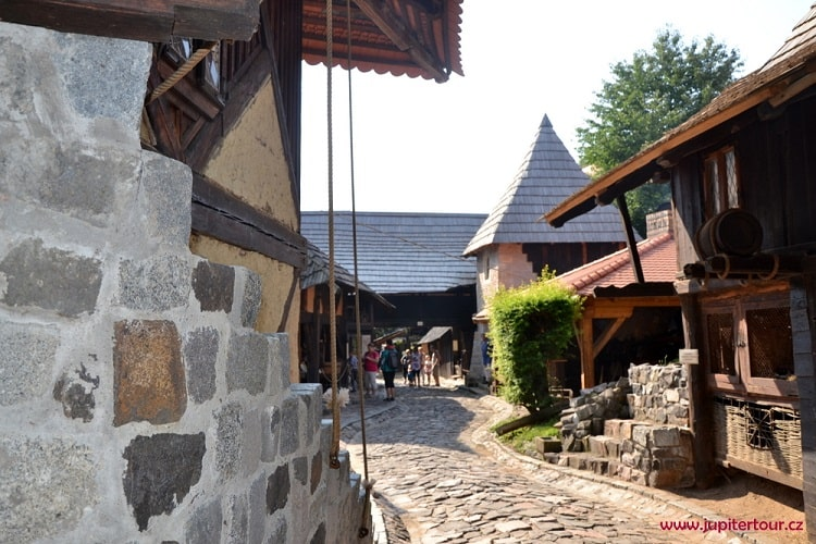 Историческая деревня ремесел Остра
