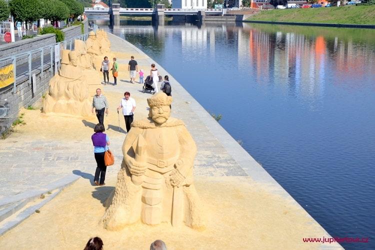 Скульптуры из песка в Писеке