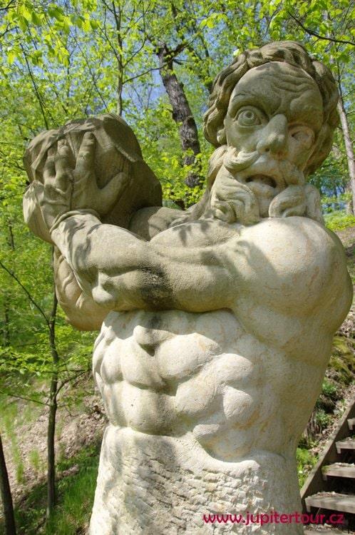Скульптура Самсона, парк Влашим