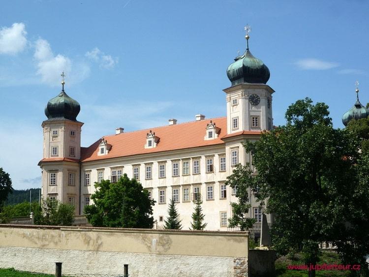 Замок Мнишек под Брды