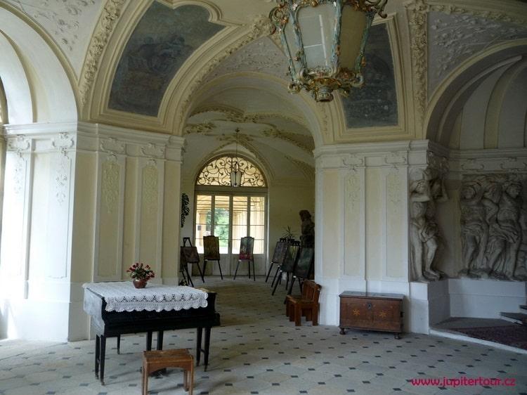 Замок Плосковице