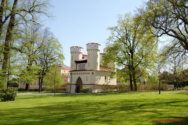 Влашимская башня, Замок Влашим
