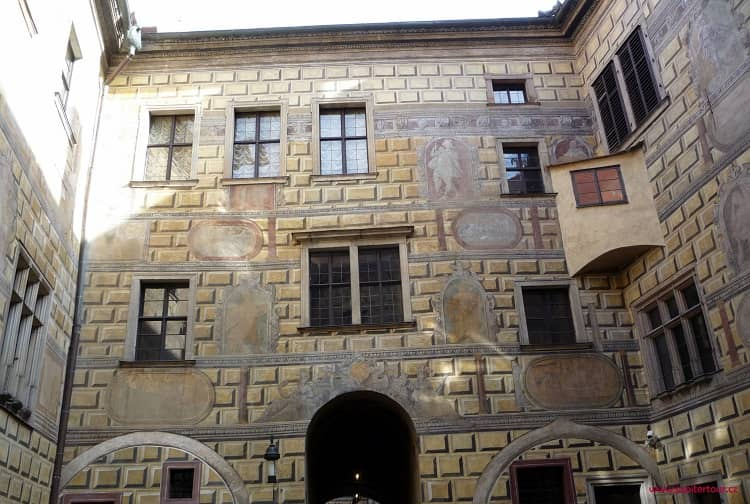 Замковый двор, Чешский Крумлов