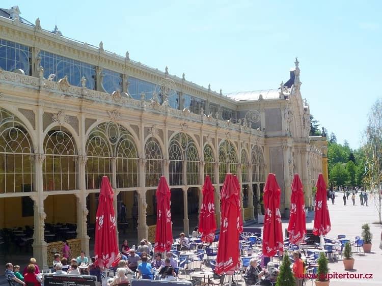 Главная колоннада, Марианские Лазне