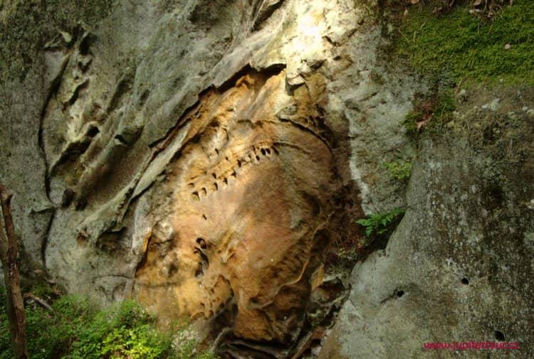 Отпечатки, Беседицкие скалы, Чешский рай