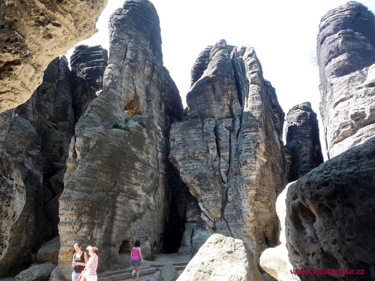 Скальные столбы, Тиские стены, Крушные горы
