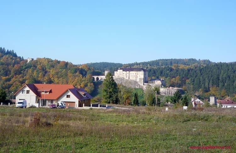 Замок Чешский Штернберг, фасад