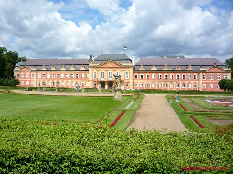 Замок Добржиш, Чехия