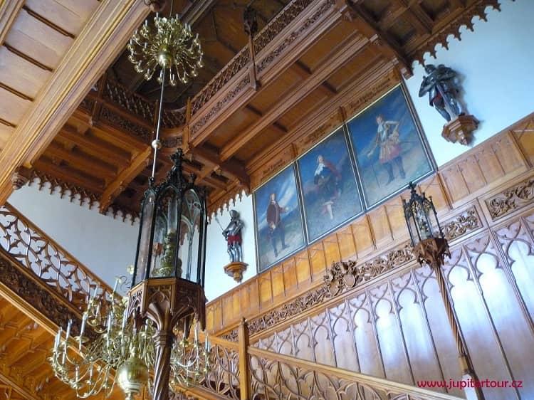 Холл, замок Леднице, Чехия