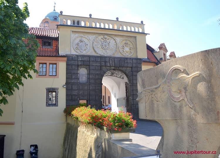 Главные ворота, замок Подебрады