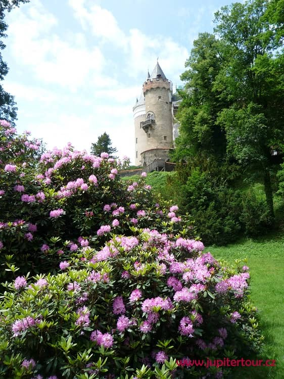 Оборонительная башня, Замок Жлебы, замки Чехии
