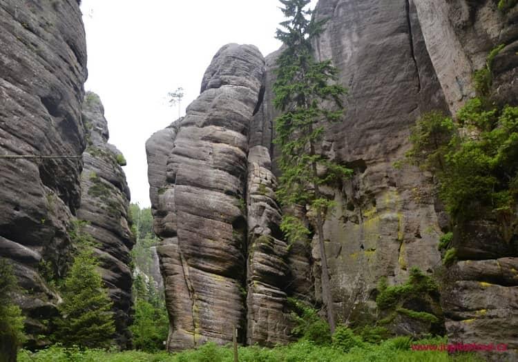 Голем, Теплицские скалы
