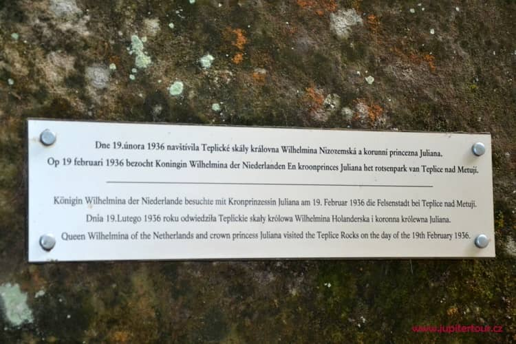 Табличка, Теплицские скалы