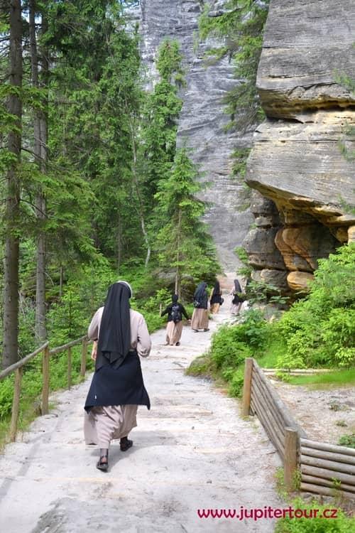 Монахини в Теплицских скалах