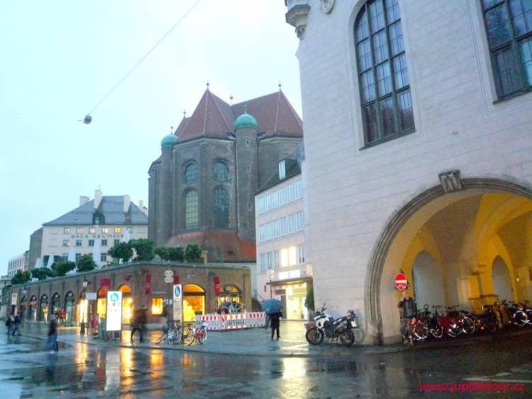 Viktualienmarkt, Мюнхен, Германия