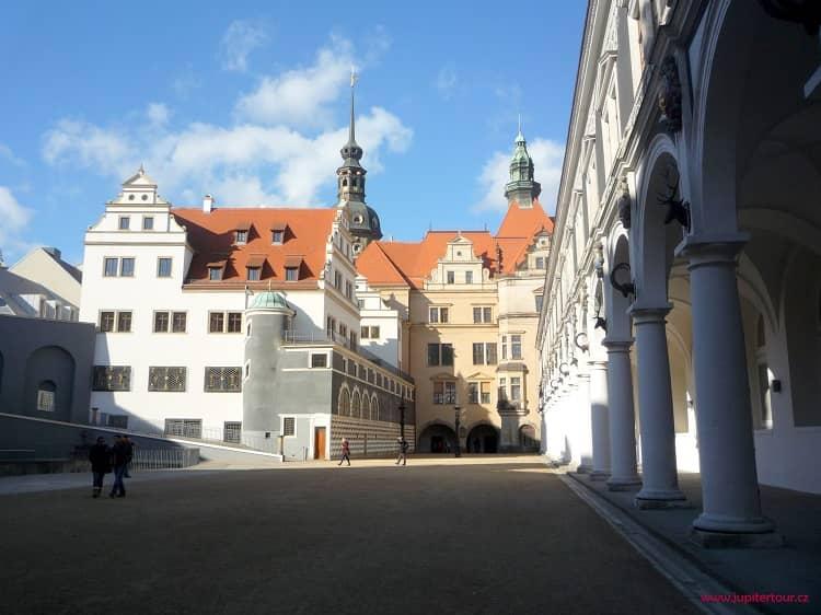 Двор, Дрезден