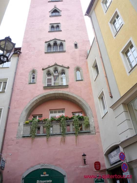 Высотный средневековый дом, Регенсбург