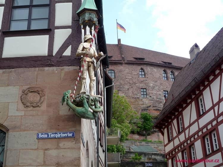 Статуя святого Георгия, Нюрнберг